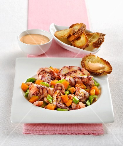 Polpo al melone con gamberetti (octopus with melon and prawns, Italy)
