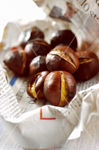 Caldarroste (hot chestnuts, Italy)