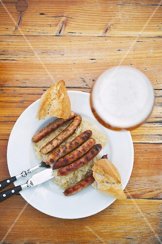 Sausages with white cabbage from the historic Wurstkuchl in Regensburg
