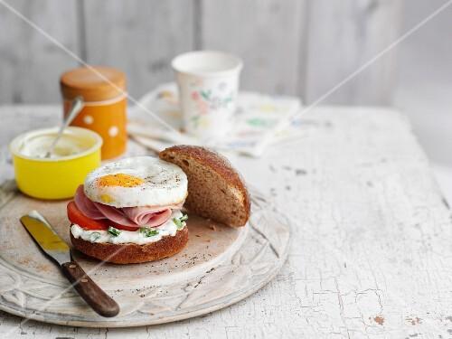 A ham and fried egg sandwich