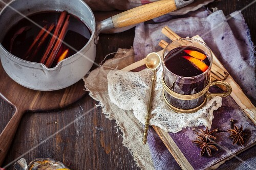 Mulled wine with orange slices and spices