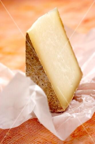 Pecorino di Farindola (sheep's cheese from the Abruzzo region, Italy)