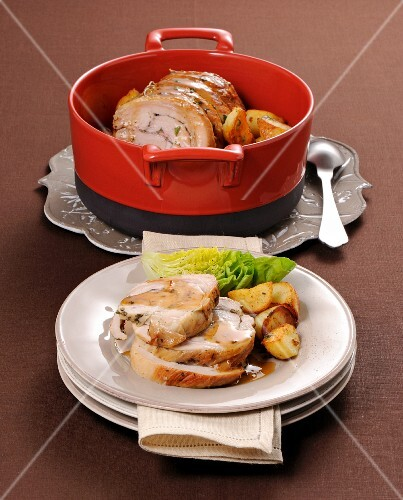 Scaramella arrosto (veal roulade with fried potatoes, Italy)