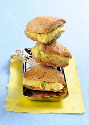 Herb scones with cheese and vegetable cream