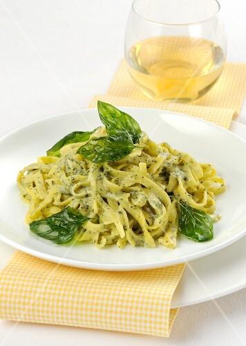 Tagliolini with basil sauce