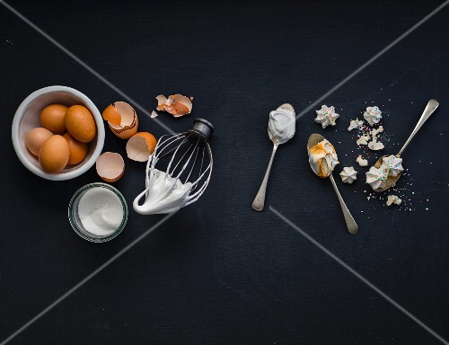 Meringue: ingredients and ready-made