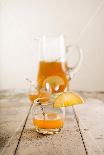 Apple punch with thyme