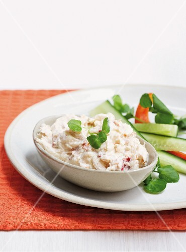 Fish pâté with feta cheese and dried tomatoes