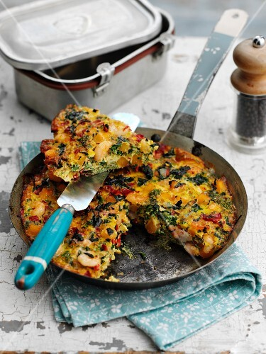 Spicy prawn frittata with herbs