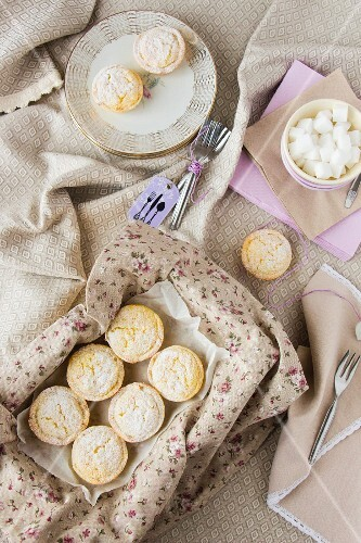 Mini rice cakes for a picnic