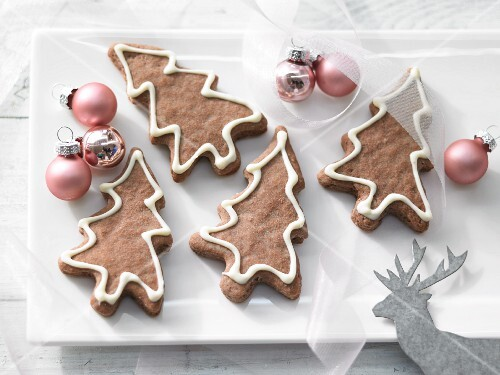 Chocolate Christmas tree biscuits