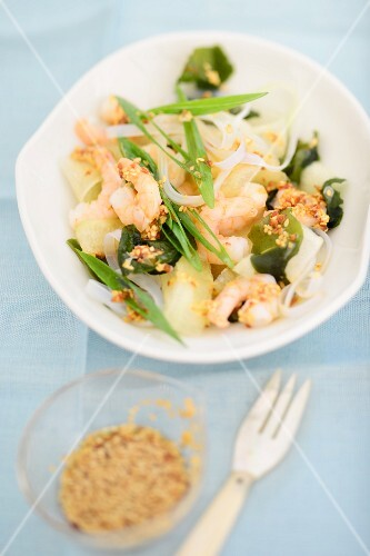 Seaweed salad with prawns and a sesame seed dressing