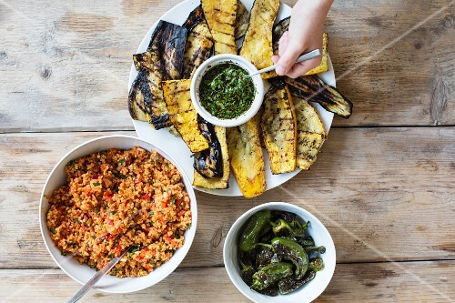 Grilled vegetables and bulgur salad