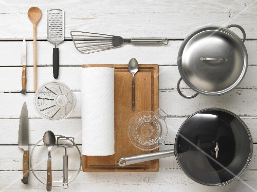 Kitchen utensils for making fish with vegetables