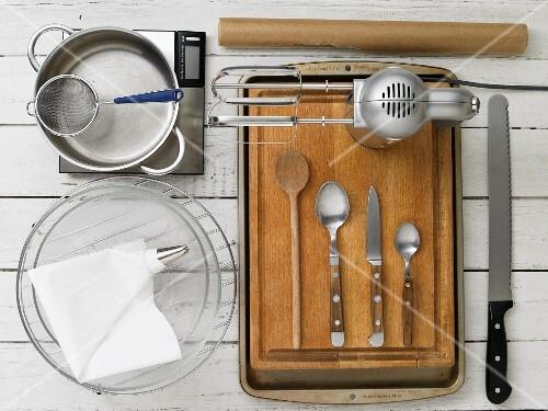 Kitchen utensils for making profiteroles