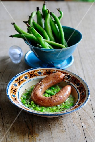 Broad bean soup with sausage