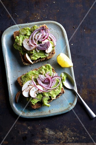 Wholemeal bread topped with avocado and mushroom tartare