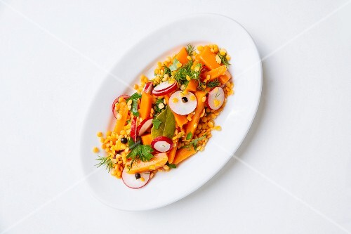 Carrot salad with red lentils and juniper berries