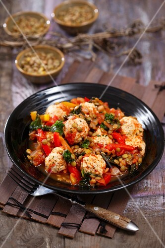 Meatballs with lentils and peppers