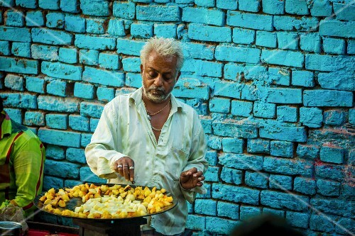 A street vendor in the blue town of Jodhpur, Rajasthan, India