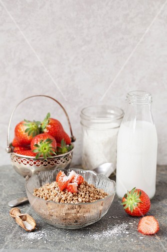 Muesli with strawberries and coconut milk