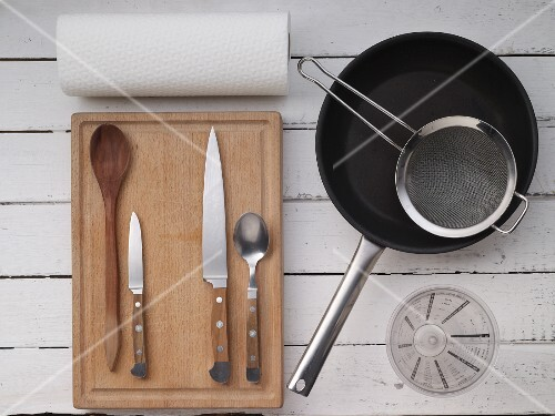 Kitchen utensils for making fried food