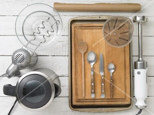 Kitchen utensils for making quark dough rolls