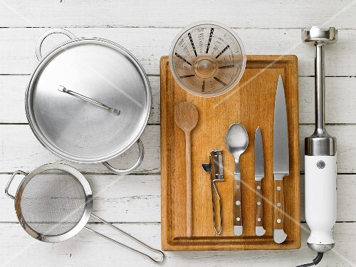 Kitchen utensils for preparing soups and sauces