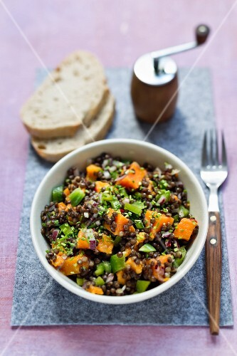Lentil salad with sweet potatoes and green peppers