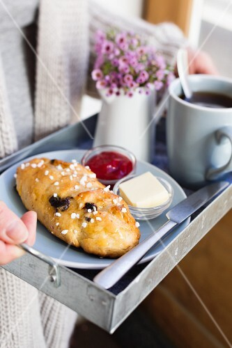 Raisin bread with sugar nibs and jam