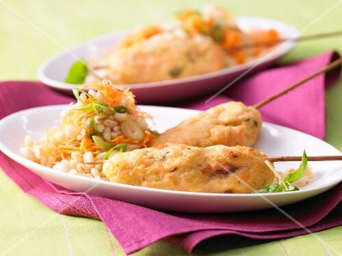 Salmon tartare kebabs with wheat & carrot salad