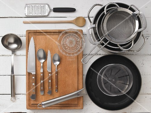 Kitchen utensils for preparing game and risotto