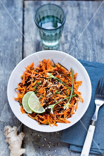 Carrot and arame kelp salad with ginger and sesame seeds