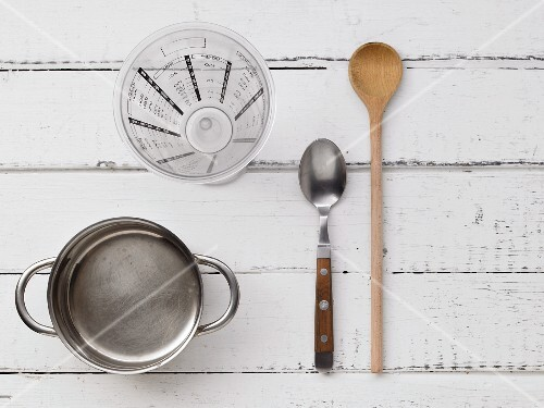Kitchen utensils for a multi-grain drink with carrot juice