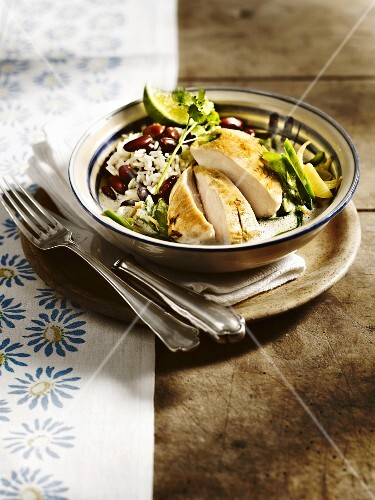 Pan-fried chicken breast with kidney bean rice and coconut sauce