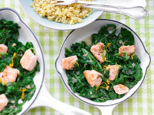Salmon & spinach with boiled orange wheat