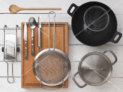 Kitchen utensils for making stir fries