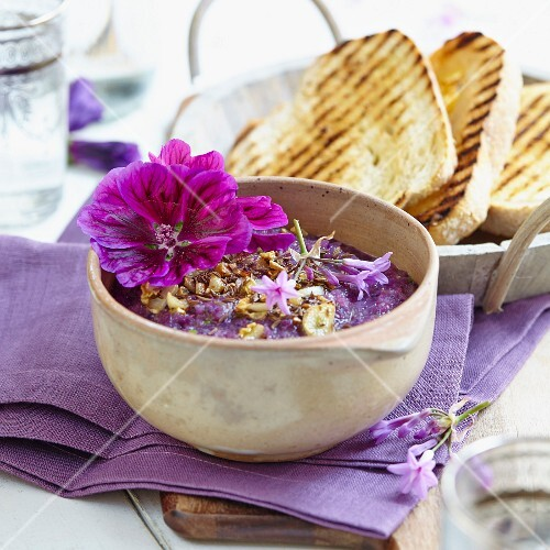 Purple mallow dip with grilled bread
