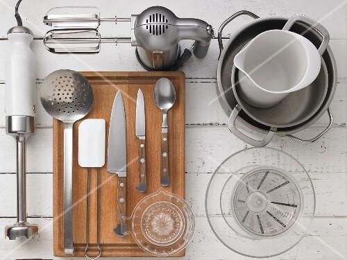 Kitchen utensils for preparing fruit dessert