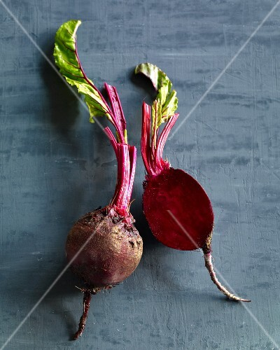 Beetroot, whole and halved