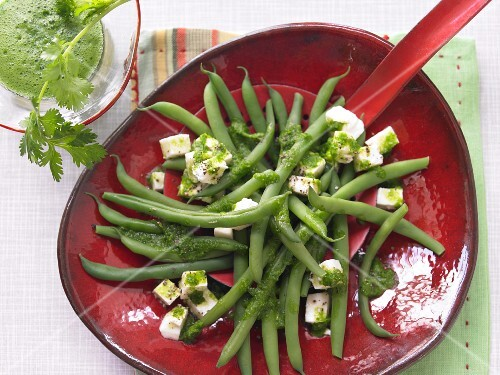 Bean salad with mozzerella and coriander pesto