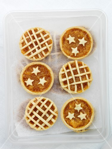 Mini treacle tarts