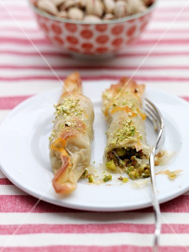Filo rolls with a pistachio filling