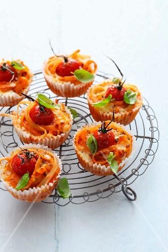Pasta, tomato and basil muffins