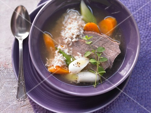 Vegetable soup with rice and beef