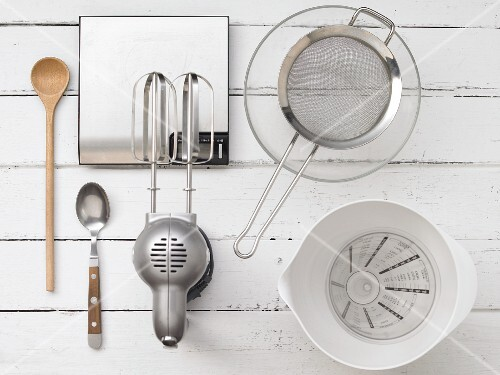 Kitchen utensils for making batter