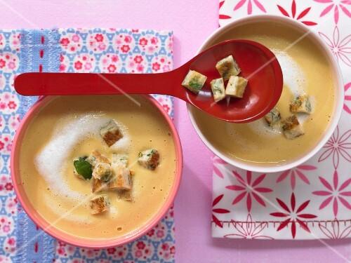 Carrot soup with pancake chunks