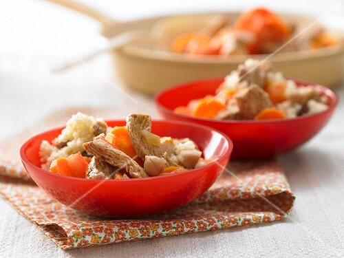 Turkey strips with chickpeas and carrots