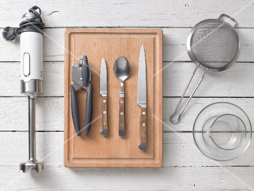 Kitchen utensils for preparing apricot & curry sauce