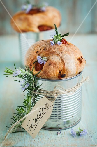 Focaccia with rosemary, baked in a can
